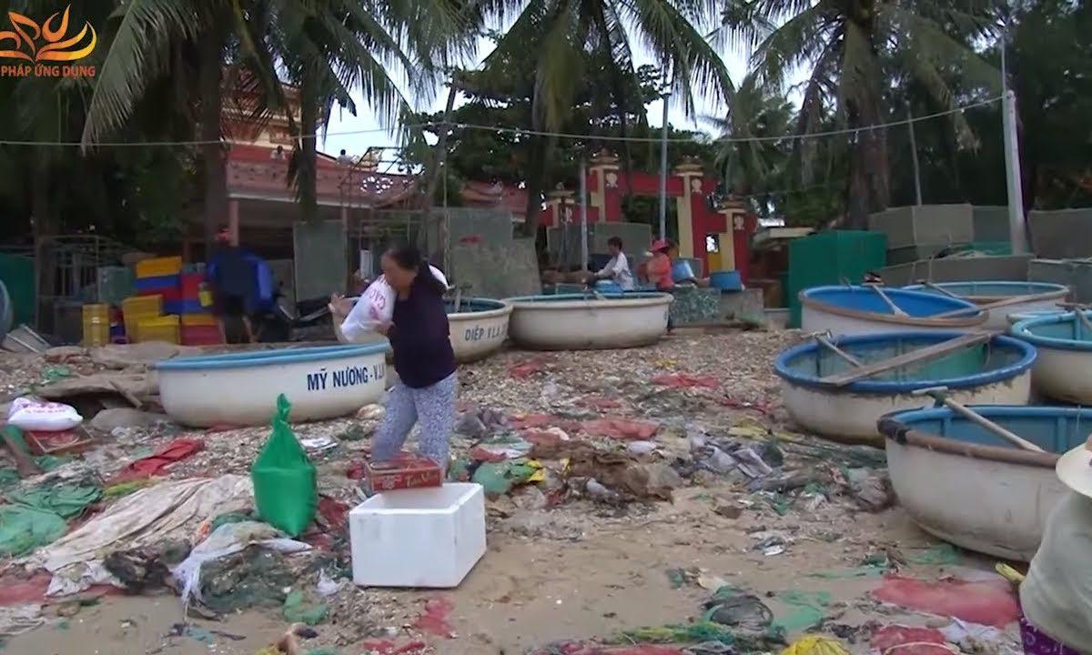 Cứu Trợ Đồng Bào Lũ Lụt Tại Phú Yên Ngày 30-11-2017